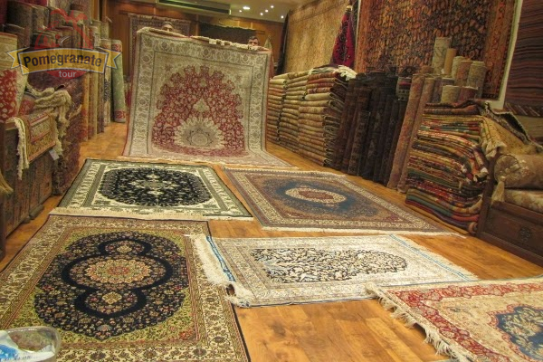 Shopping in istanbul what to buy in istanbul for Best store to buy rugs